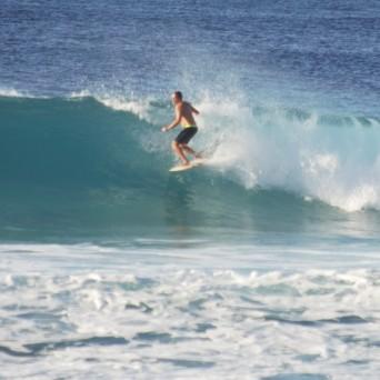 El Gringo surfing on the North Shore